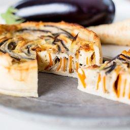 <span>Spiraaltaart met wortel, pastinaak en aubergine</span><i>→</i>