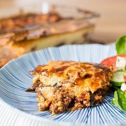 <span>Moussaka aubergine met rundvlees en kaas</span><i>→</i>