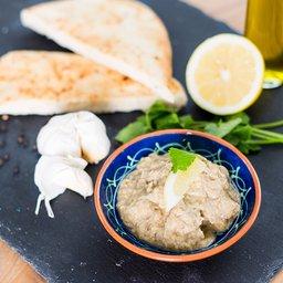 <span>Baba Ganache aubergine met tahine en knoflook</span><i>→</i>